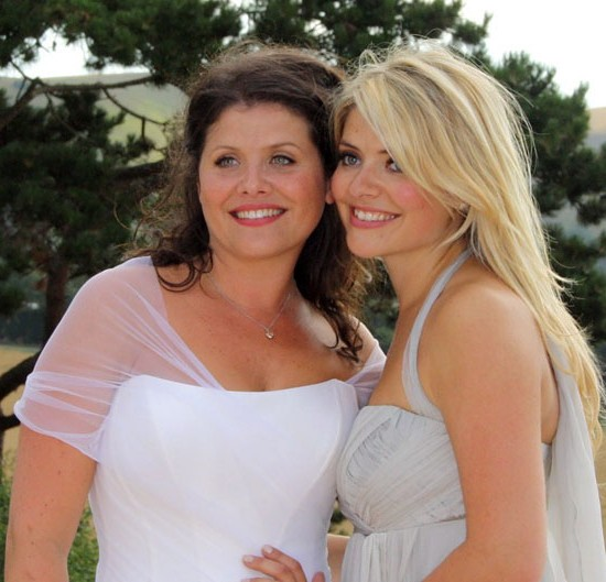 kelly_holly_willoughby_dressesforweddings_suzanneneville_designerbridalgowns