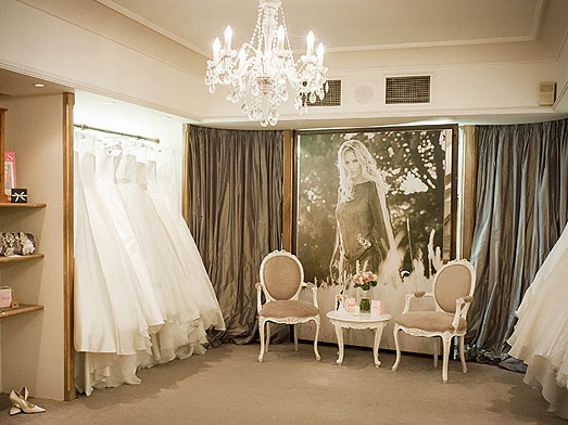showroom designer wedding dresses
