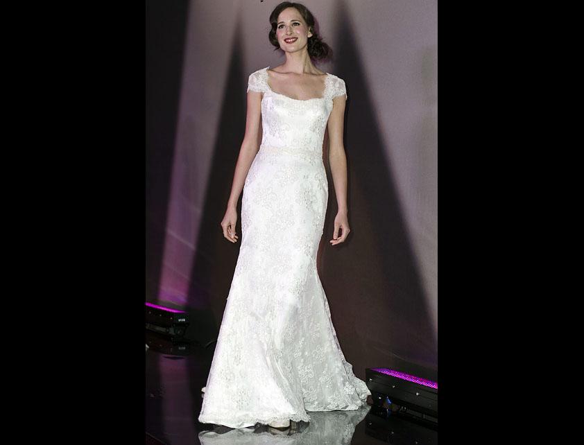 Catwalk Runways | Nostalgia 2012 Designer Bridal Gowns | Lucia by Suzanne Neville