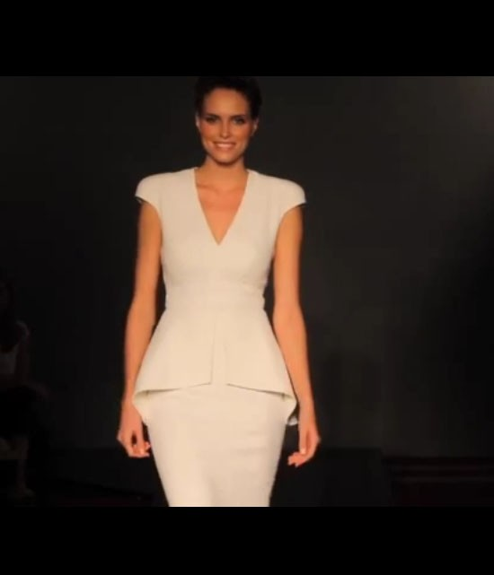catwalkvideo_diamond2013_designerweddingdressesbySuzanneNeville