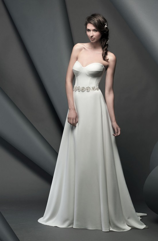 dominon_novellocollection2015_designerweddingdressesbySuzanneNeville