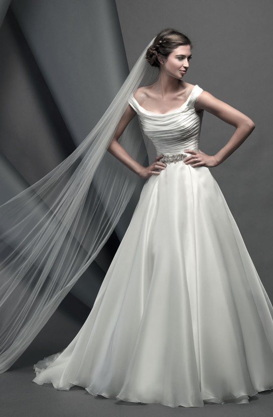 savoy_novellocollection2015_designerweddingdressesbySuzanneNeville