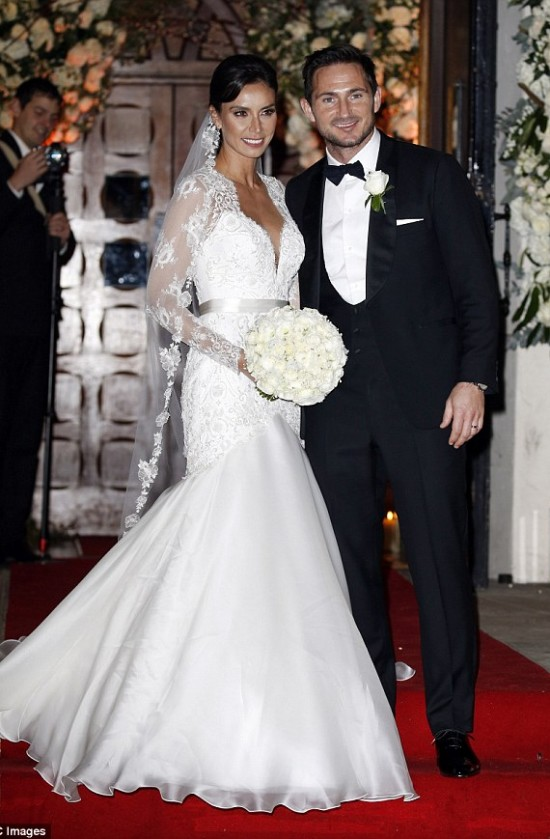 Celebrity Wedding Dresses - in depth blog articles by Suzanne Neville