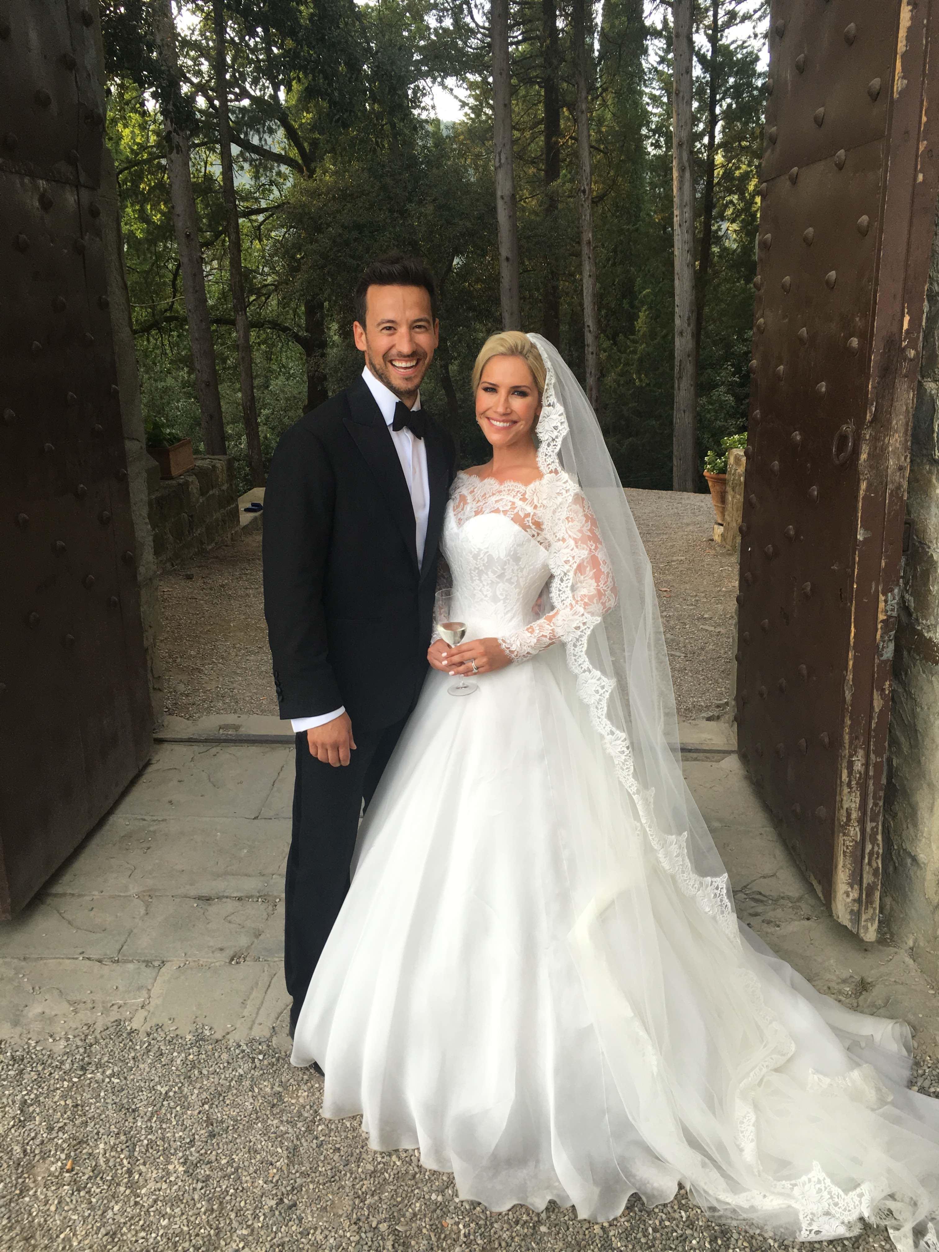 Real Life Brides by Suzanne Neville | Heidi Range Florence wedding