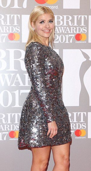 holly-willoughby-brits-suzanne-neville-2