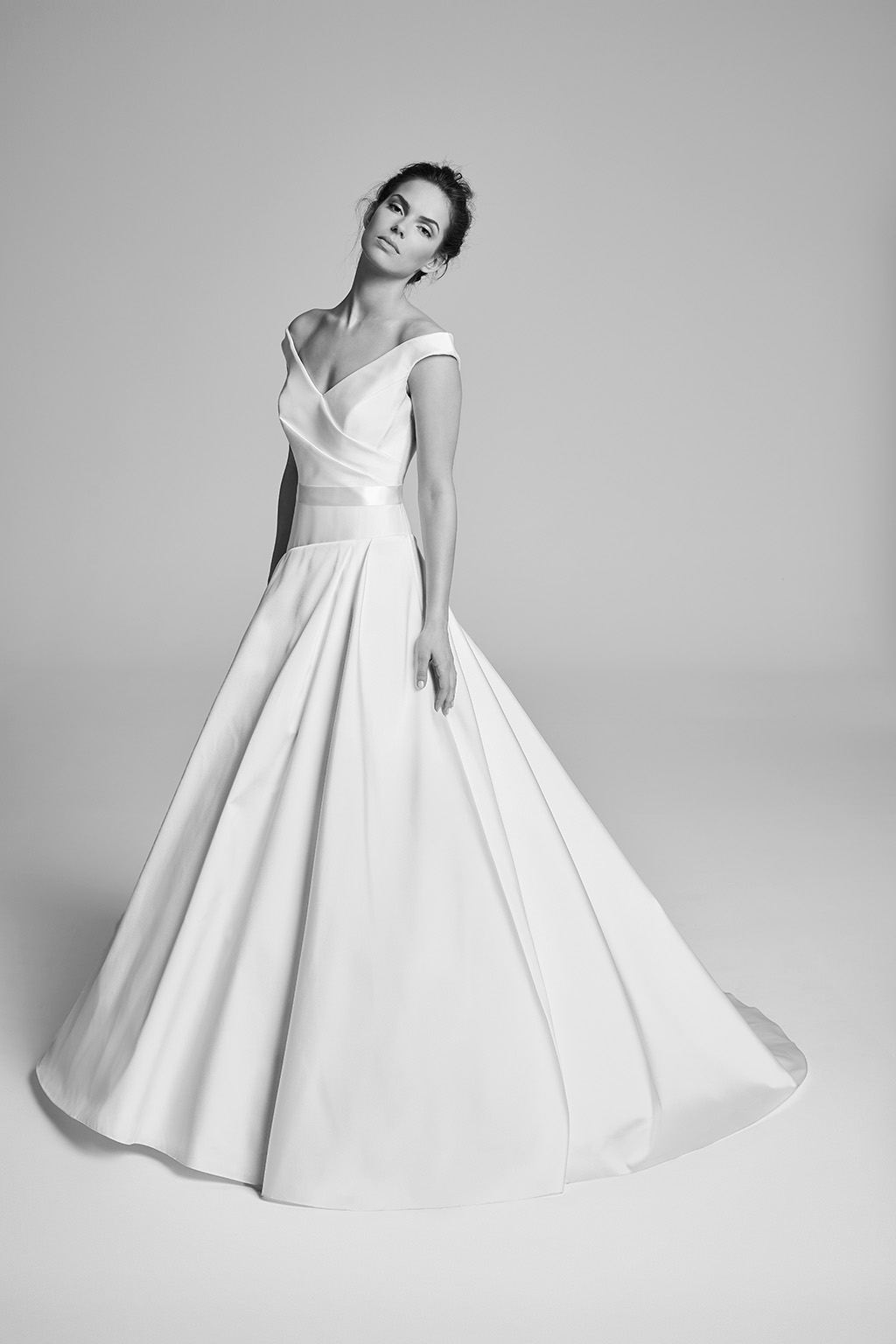 Cavetto suzanne neville for Designer wedding dresses uk