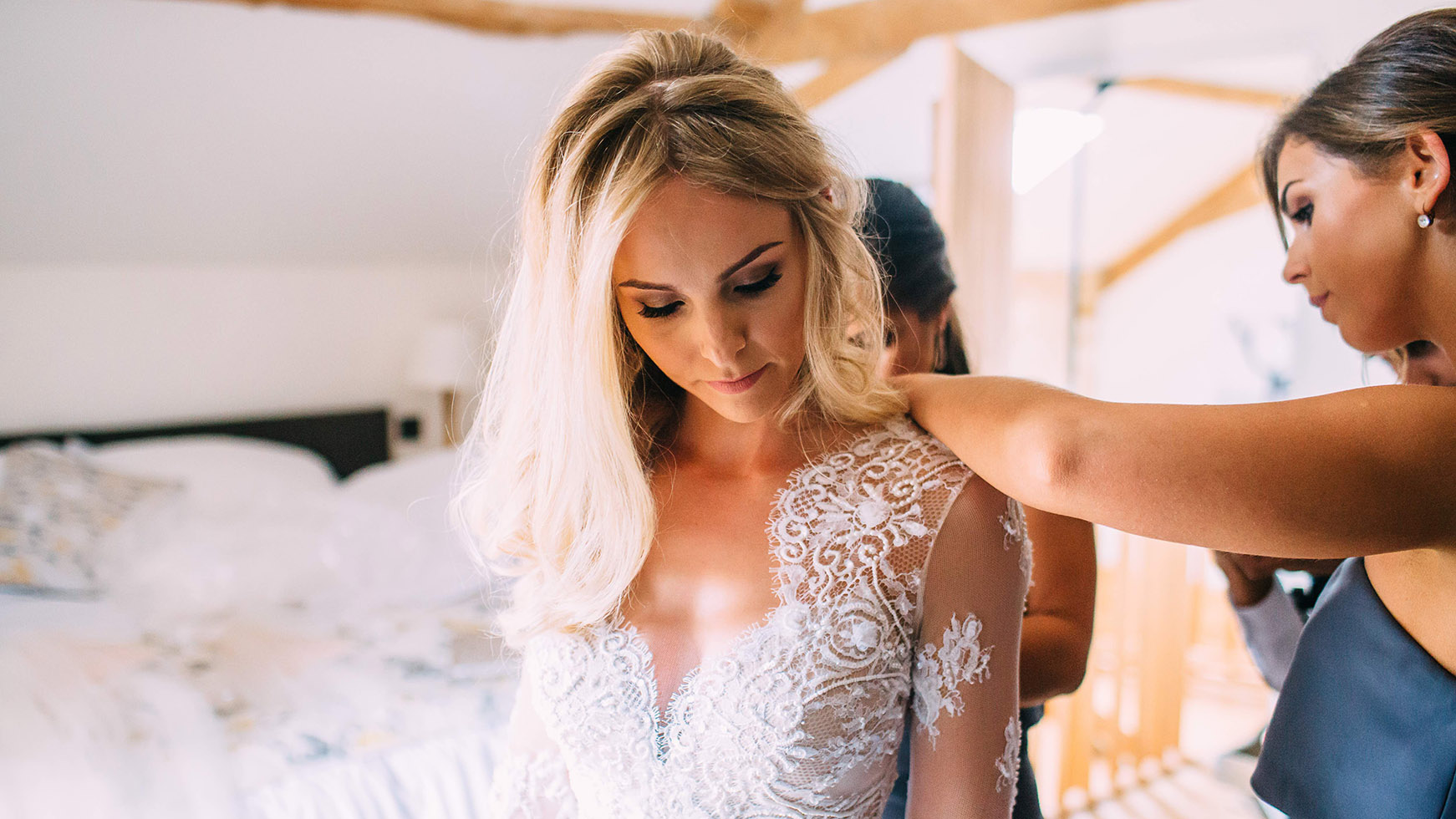 Wedding Dress Styles   Suzanne Neville