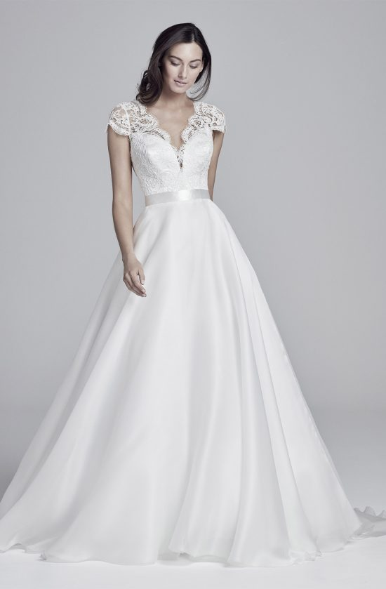alicia-lookbook-collection2019-weddingdressesuk-designersuzanneneville