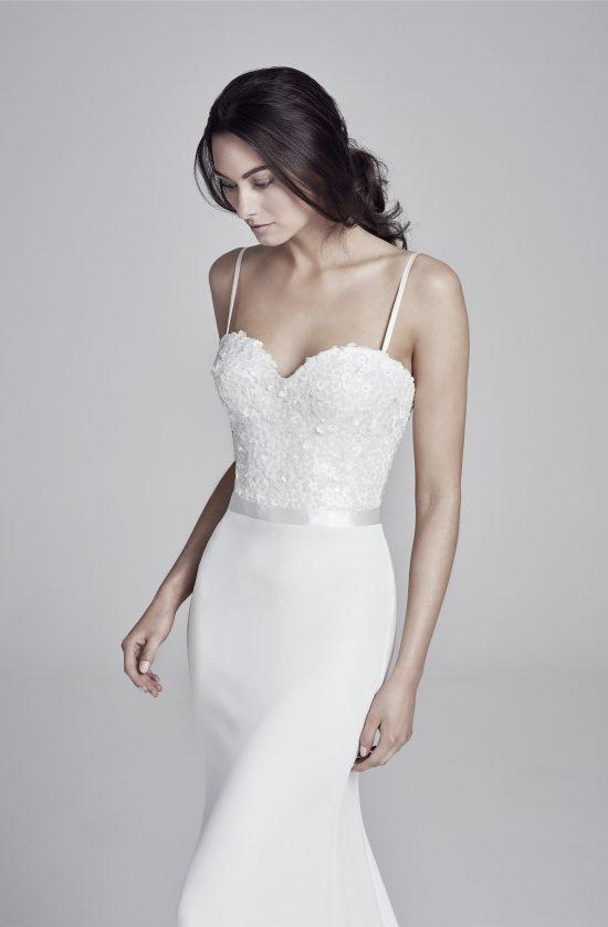 bronte-closeup-lookbook-collection2019-weddingdressesuk-designersuzanneneville