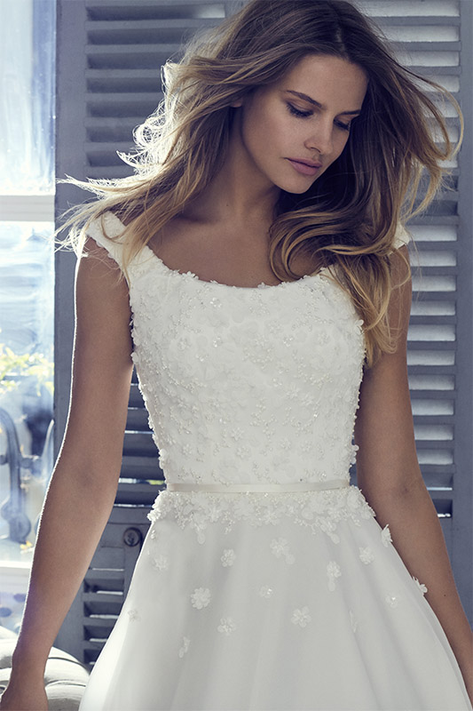 Floriana - Collections 2019 | wedding dresses uk | Suzanne Neville