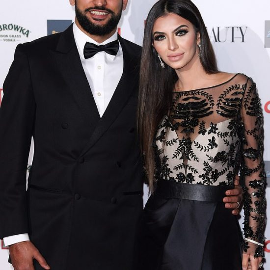 faryal-makhdoom-khan-wears-suzanne-neville-to-the-ok-magazine-beauty-awards-2018-1