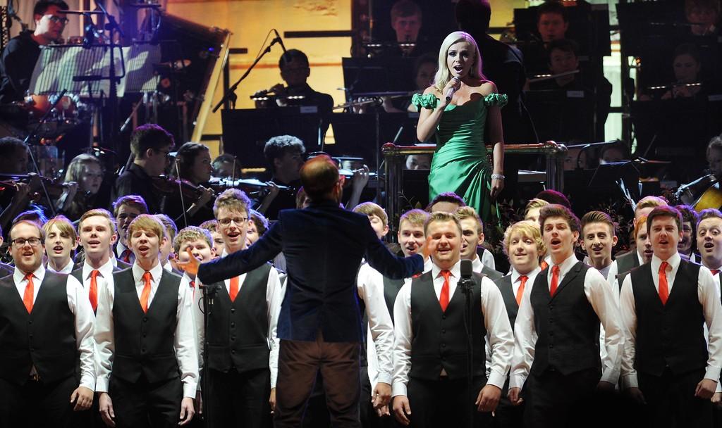 katherine jenkins queens coronation concert buckingham palace evening wear dress suzanne neville