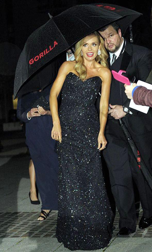 katherinejenkins-welshbaftas2014-blacksparklingdress-celebrityfashion-suzanneneville4