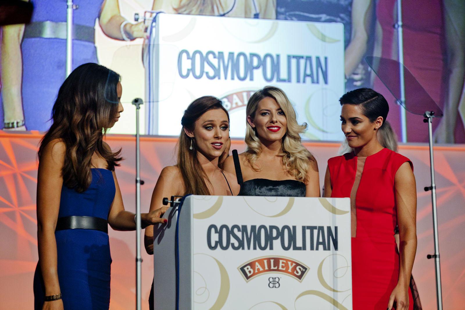 rochellehumes-thesaturdays-bluedress-cosmopolitansawards2014-designerSuzanneNeville3