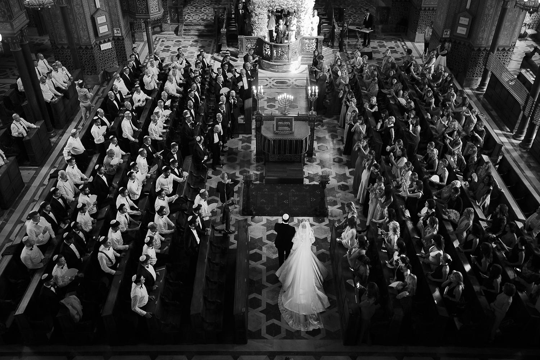 real brides Olivia Gold, wedding dresses by designer Suzanne Neville