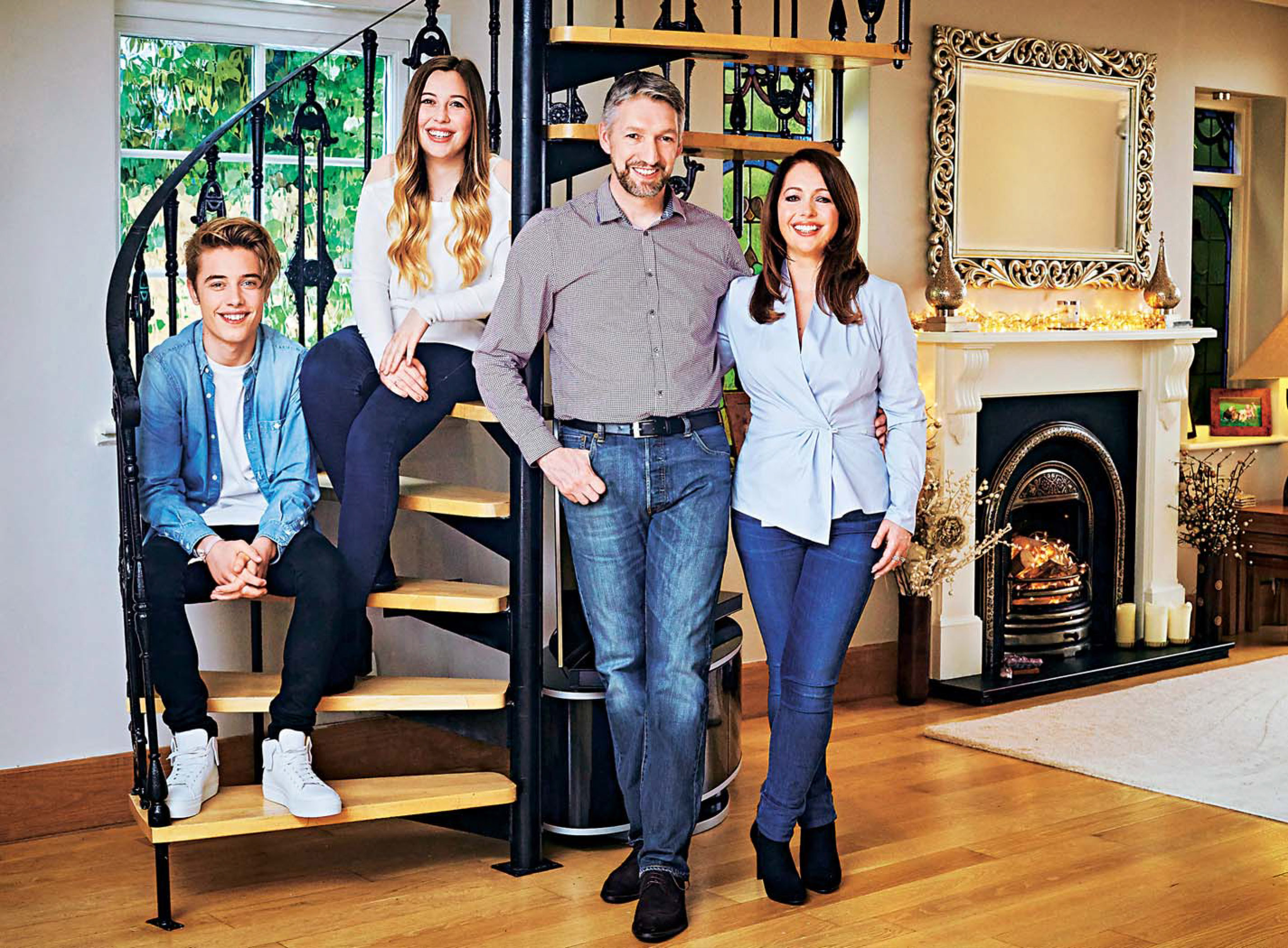 Hello Magazine: Suzanne Neville and her family at home