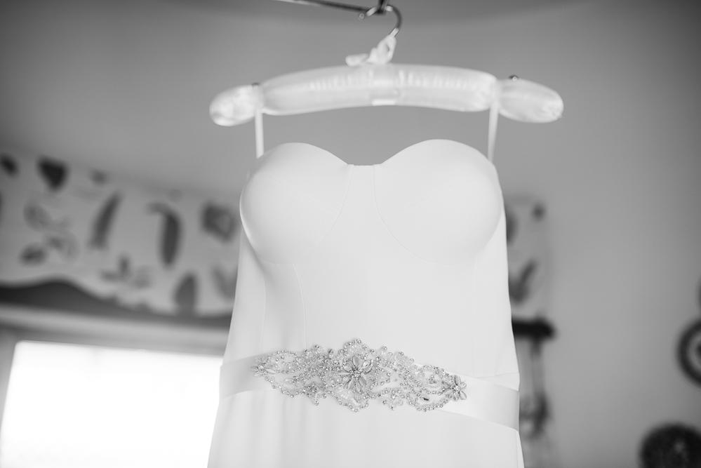 real-life-brides-kate-sutton-designer-wedding-dresses-dominion-suzanne-neville05