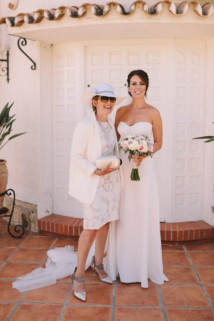 real-life-brides-kate-sutton-designer-wedding-dresses-dominion-suzanne-neville15