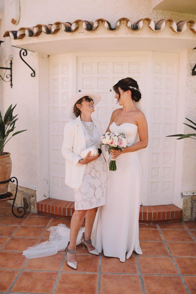 real-life-brides-kate-sutton-designer-wedding-dresses-dominion-suzanne-neville16