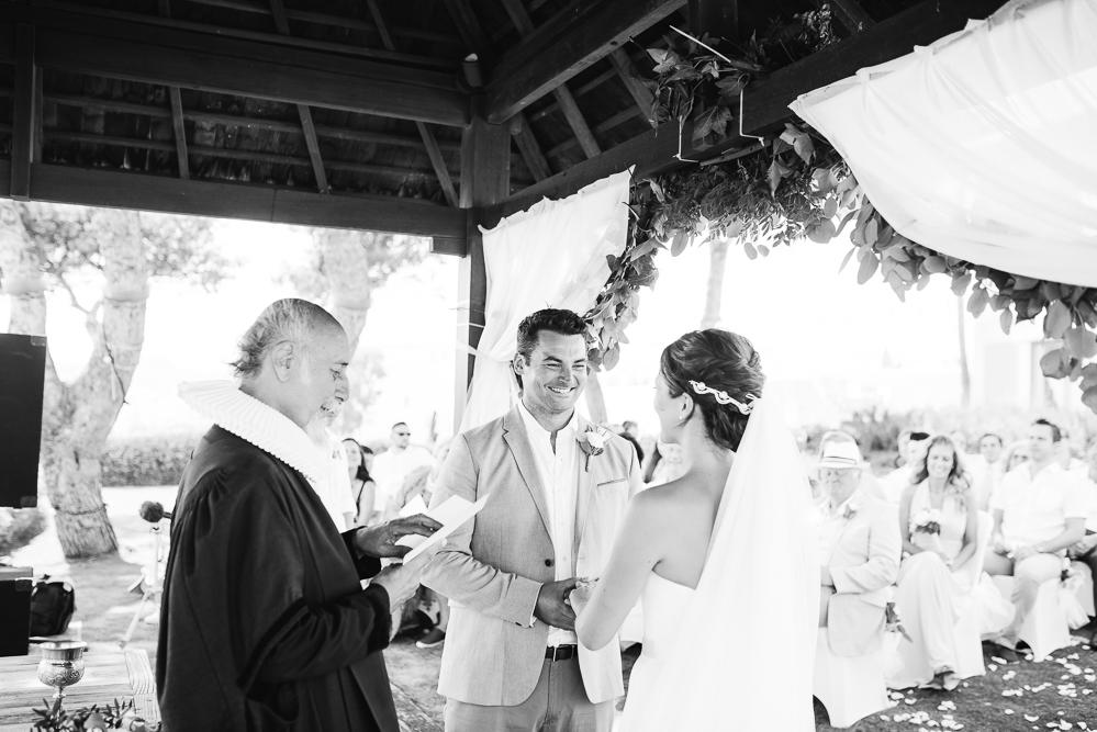 real-life-brides-kate-sutton-designer-wedding-dresses-dominion-suzanne-neville24