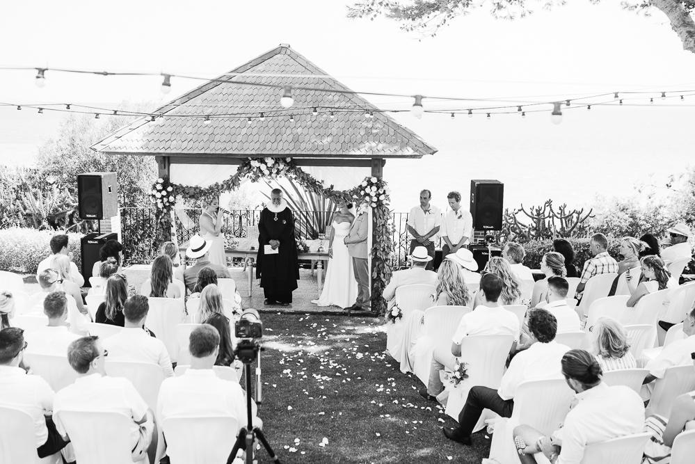 real-life-brides-kate-sutton-designer-wedding-dresses-dominion-suzanne-neville27