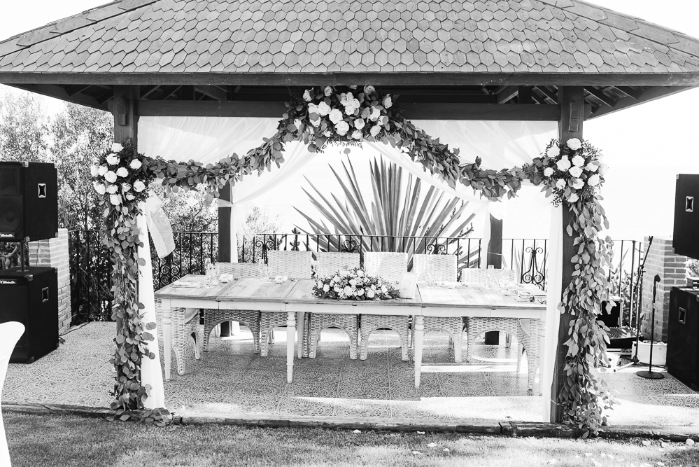 real-life-brides-kate-sutton-designer-wedding-dresses-dominion-suzanne-neville46