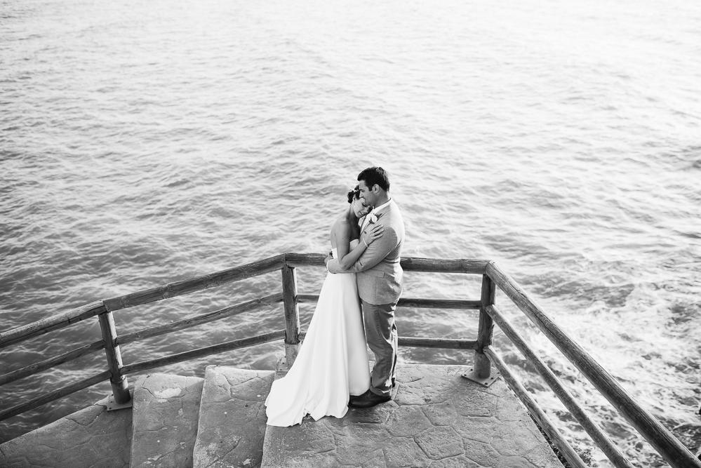 real-life-brides-kate-sutton-designer-wedding-dresses-dominion-suzanne-neville59