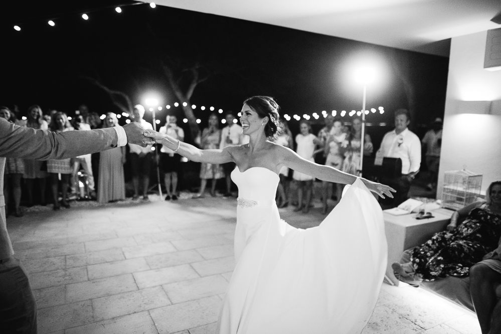 real-life-brides-kate-sutton-designer-wedding-dresses-dominion-suzanne-neville63