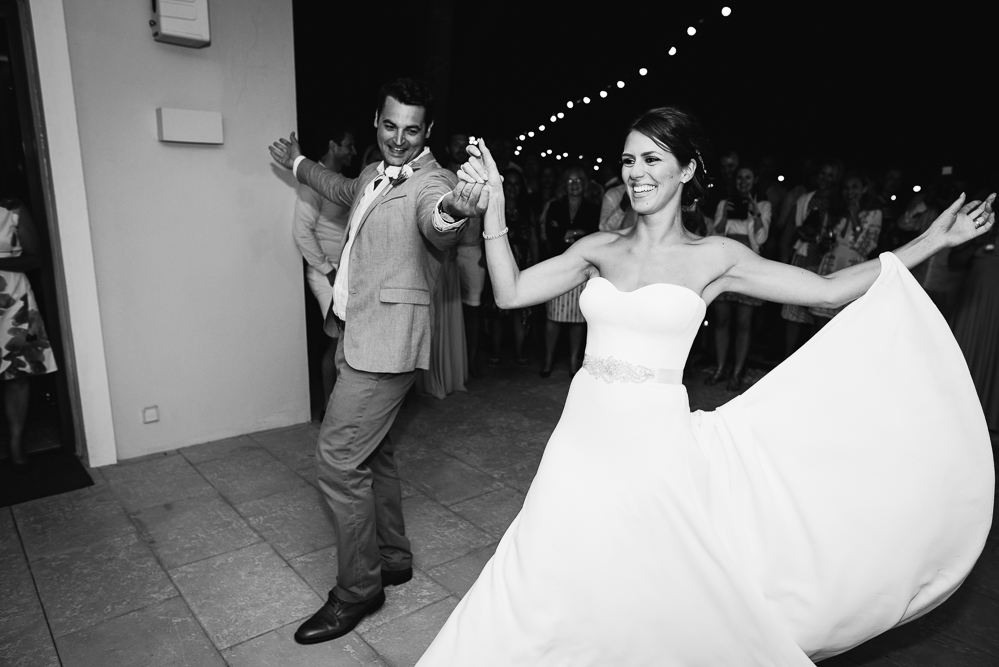 real-life-brides-kate-sutton-designer-wedding-dresses-dominion-suzanne-neville64