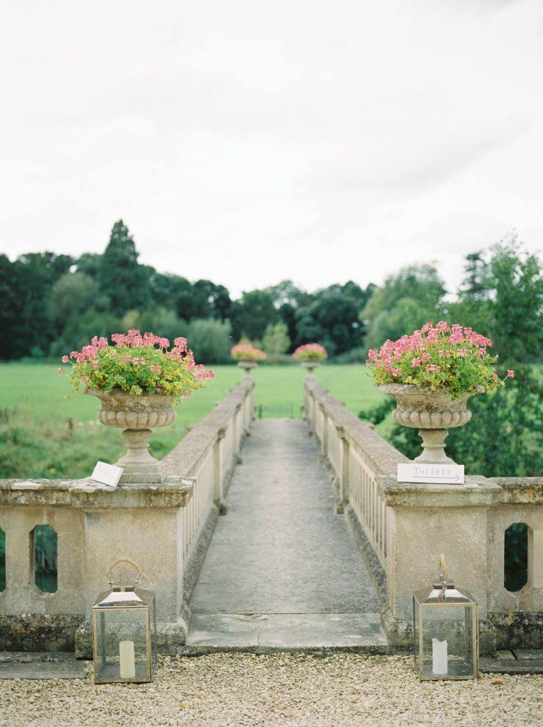 real-life-brides-jessica-maxwell-wedding-dauntsey-park-house-designer-wedding-dresses-camellia-suzanne-neville05