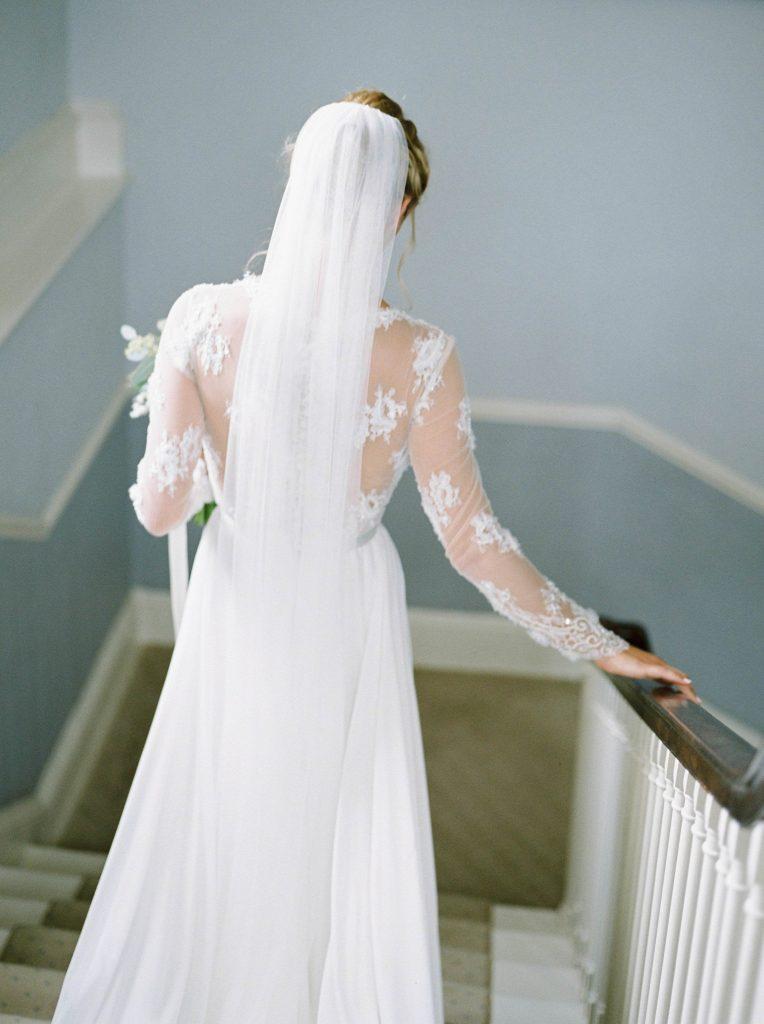 real-life-brides-jessica-maxwell-wedding-dauntsey-park-house-designer-wedding-dresses-camellia-suzanne-neville14