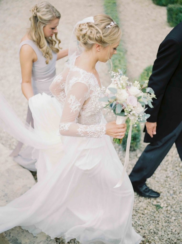 real-life-brides-jessica-maxwell-wedding-dauntsey-park-house-designer-wedding-dresses-camellia-suzanne-neville16