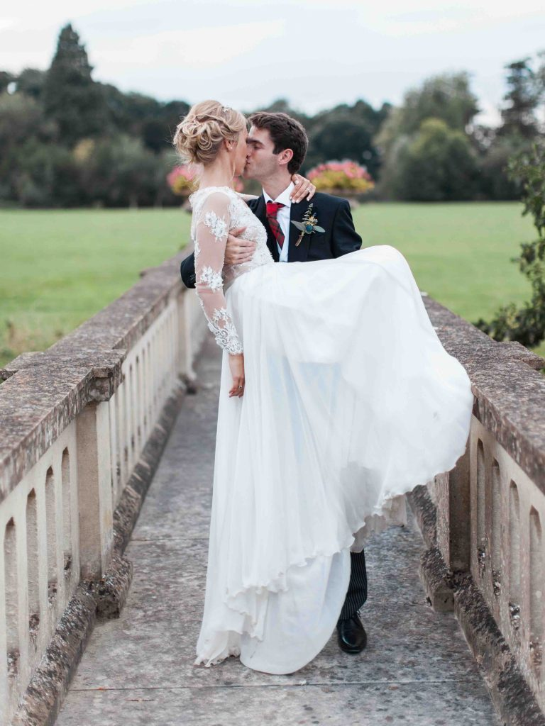 real-life-brides-jessica-maxwell-wedding-dauntsey-park-house-designer-wedding-dresses-camellia-suzanne-neville21