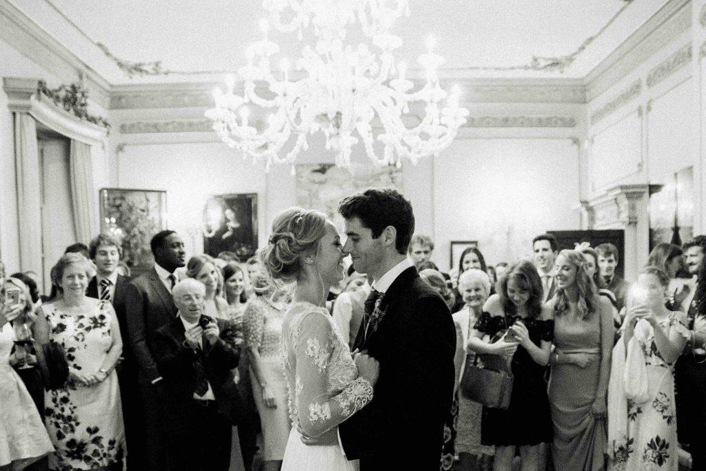 real-life-brides-jessica-maxwell-wedding-dauntsey-park-house-designer-wedding-dresses-camellia-suzanne-neville26