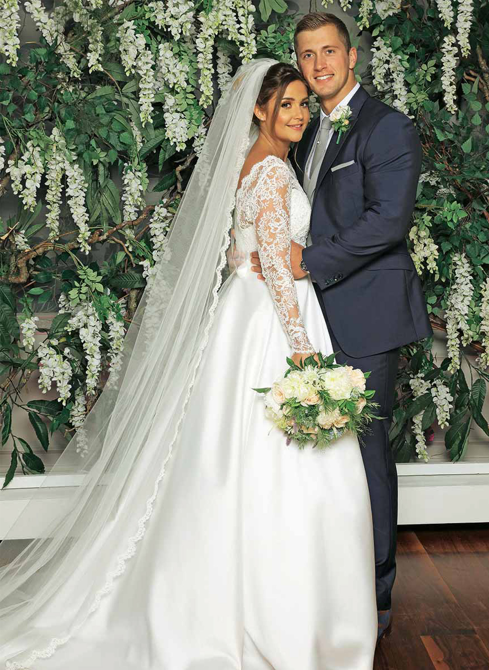 tv-couples-married-in-real-life-jaqueline-joss-dan-osborne-wedding-dresses-by-designer-suzanneneville10