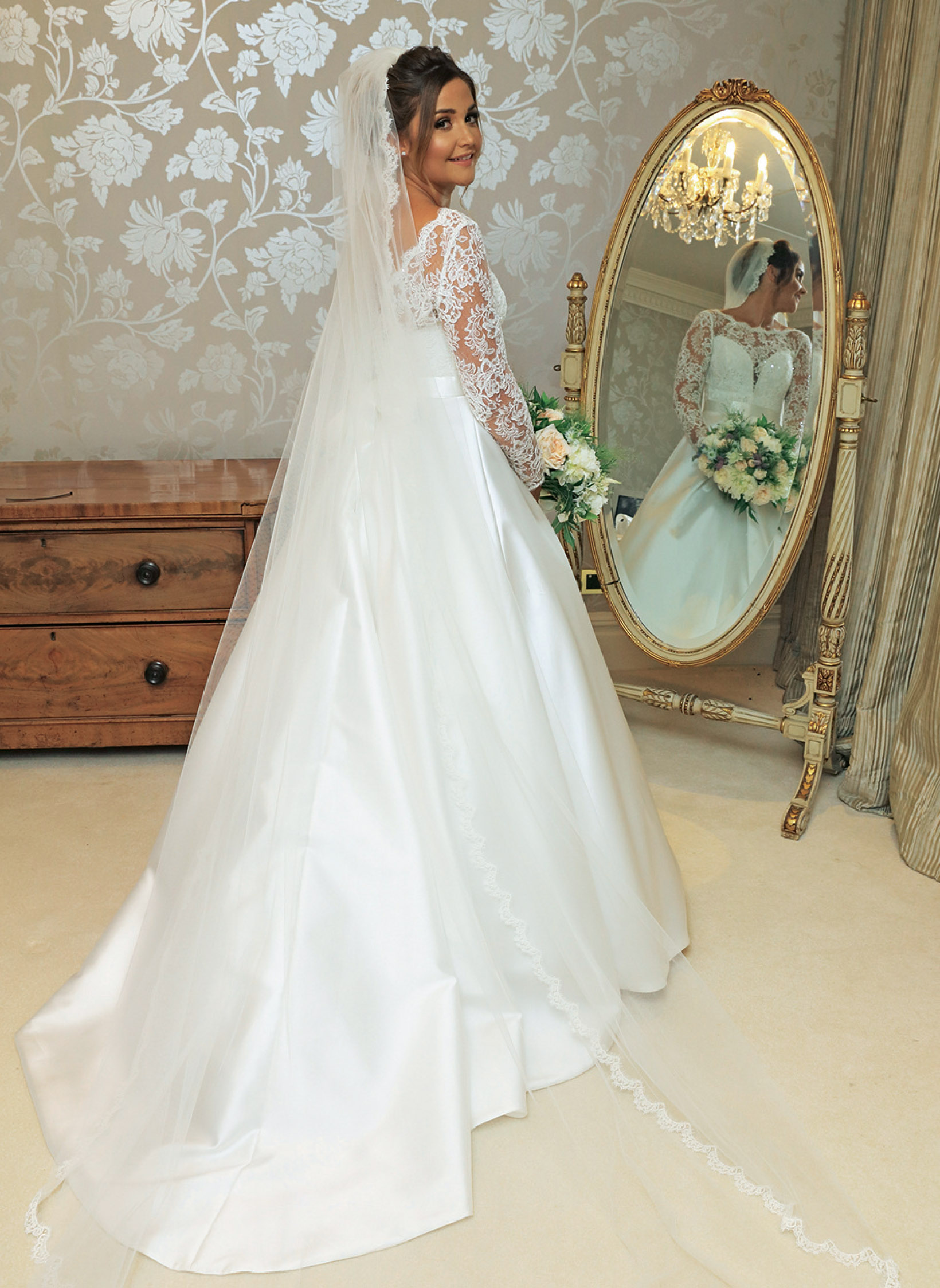 tv-couples-married-in-real-life-jaqueline-joss-dan-osborne-wedding-dresses-by-designer-suzanneneville11