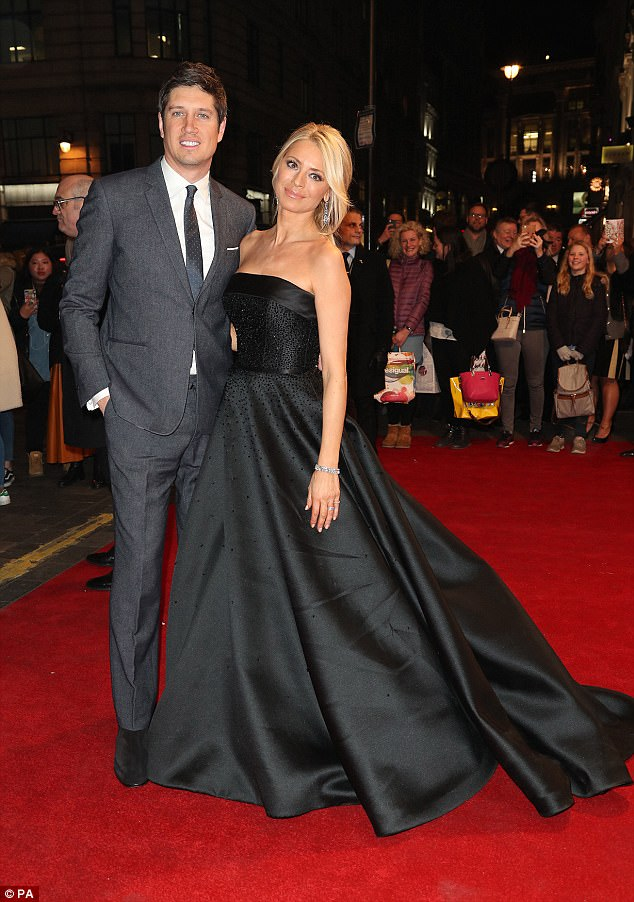 tess-daly-in-suzanne-neville