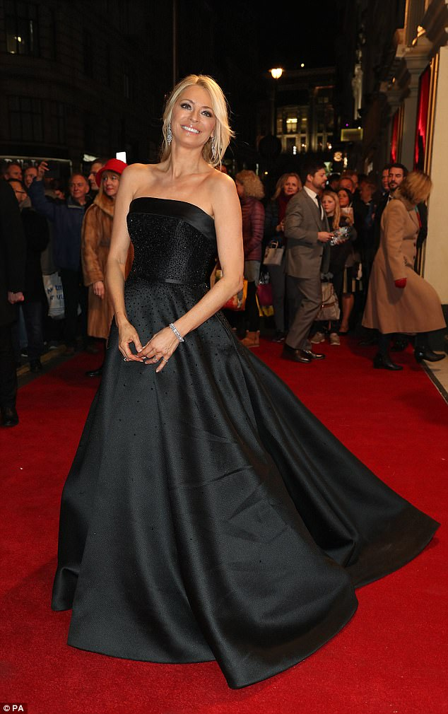 tess-daly-in-suzanne-neville-2