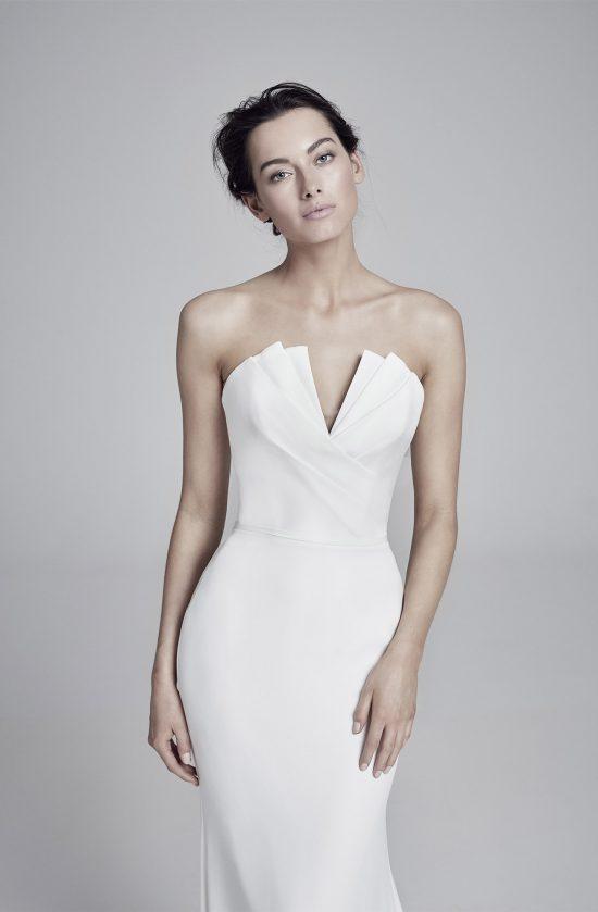 carmella-closeup-lookbook-collection2019-weddingdressesuk-designersuzanneneville