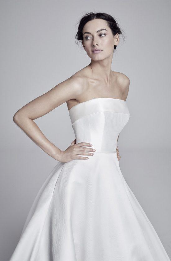 loretta-closeup-lookbook-collection2019-weddingdressesuk-designersuzanneneville