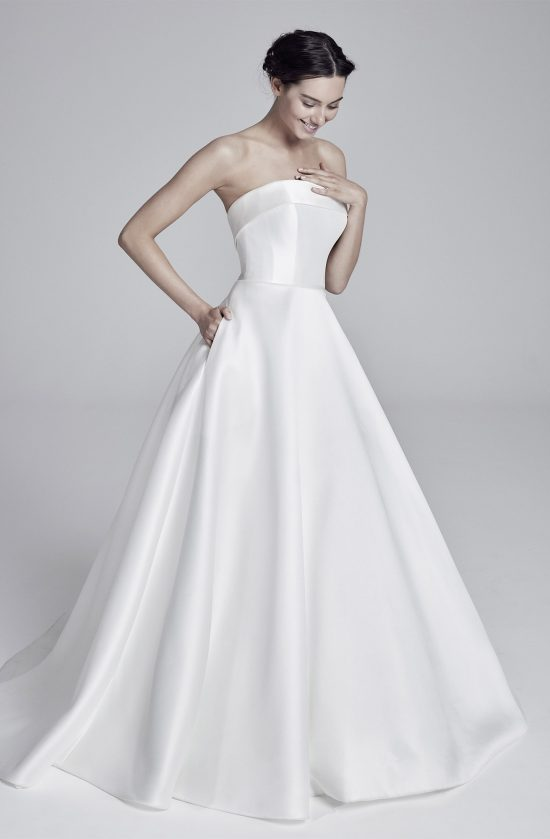 loretta-lookbook-collection2019-weddingdressesuk-designersuzanneneville