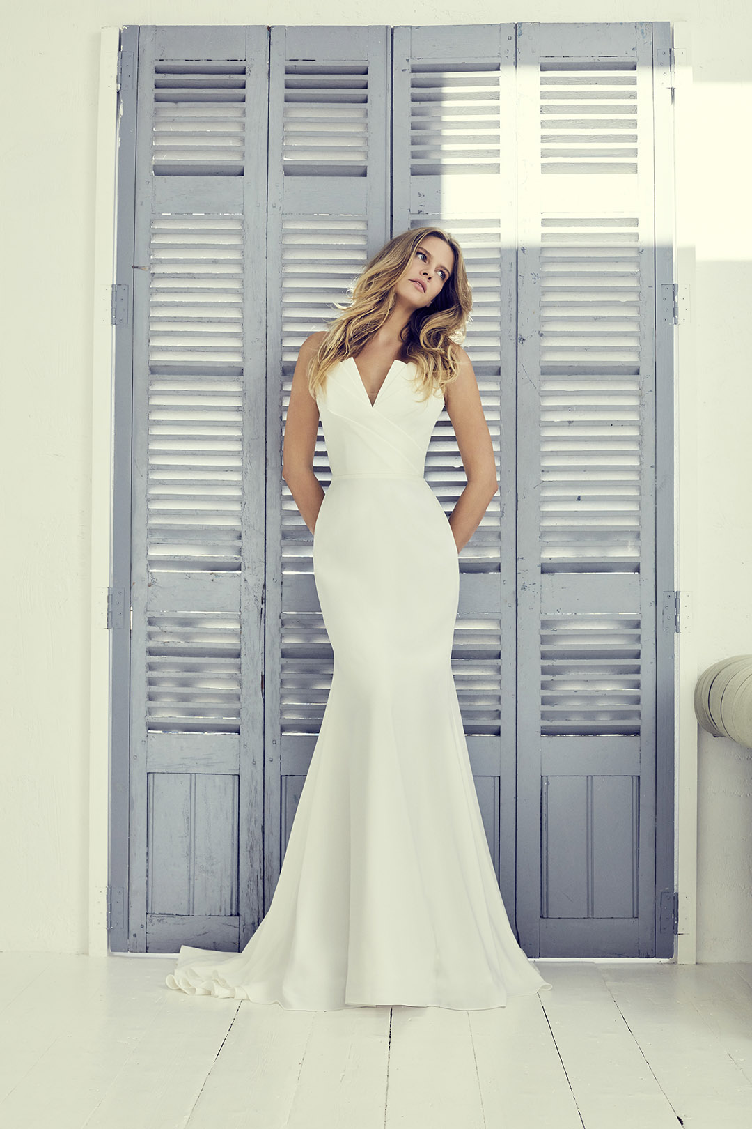 carmella1-wedding-dresses-uk-suzanne-neville-collection-hd-2019