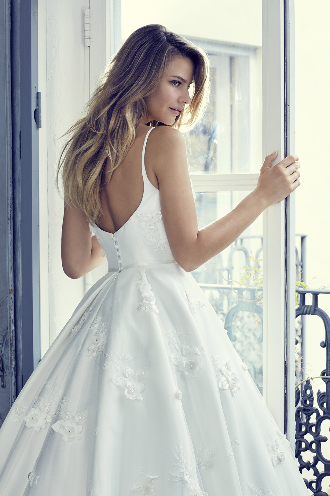 eternity2-wedding-dresses-uk-suzanne-neville-collection-hd-2019
