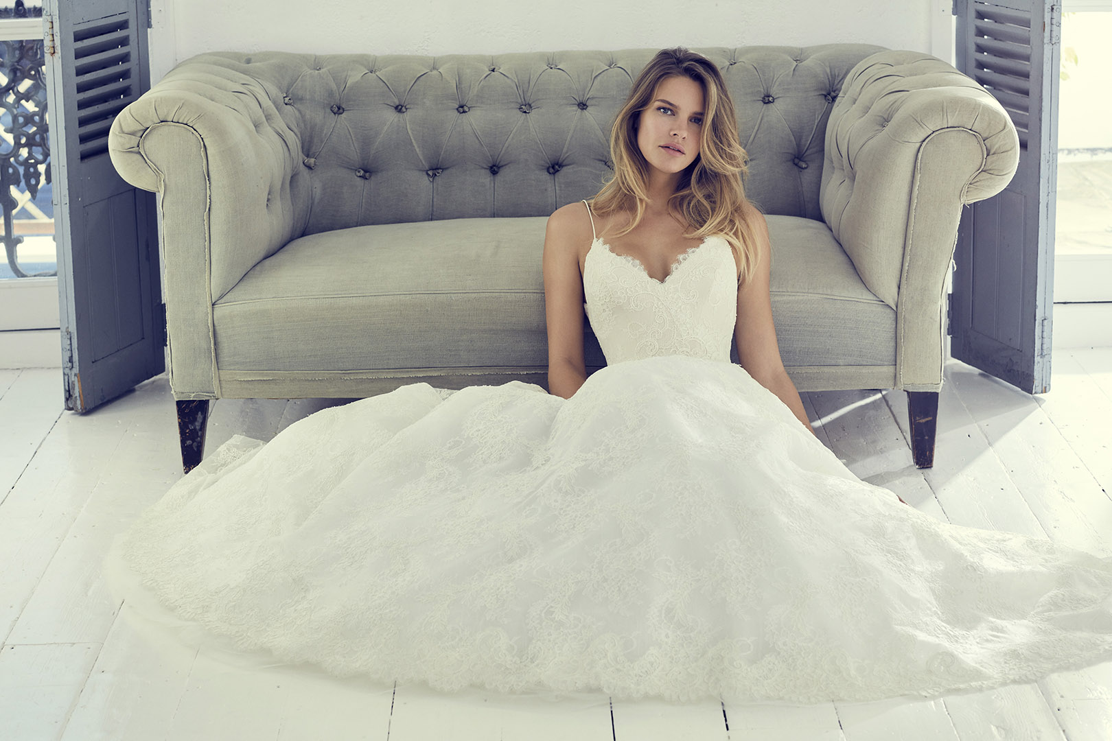 harlow1-wedding-dresses-uk-suzanne-neville-collection-hd-2019